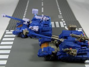 UN-10 ストラクサス 1009