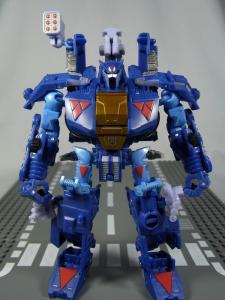 UN-10 ストラクサス 1015