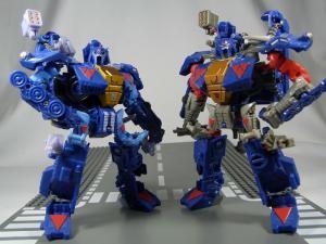 UN-10 ストラクサス 1018