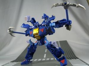 UN-10 ストラクサス 1030