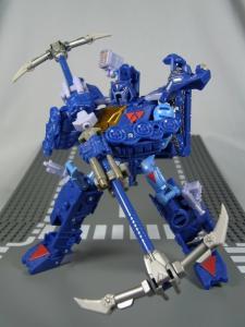 UN-10 ストラクサス 1031