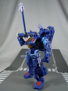 UN-10 ストラクサス 1033