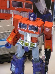 東京おもちゃショー2011 トランスフォーマー新製品発表会&MP-10 1009