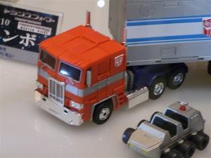 東京おもちゃショー2011 トランスフォーマー新製品発表会&MP-10 1011