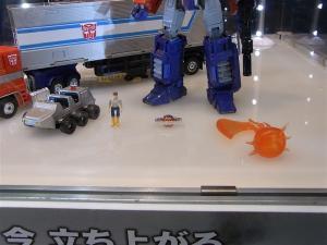 東京おもちゃショー2011 トランスフォーマー新製品発表会&MP-10 1012