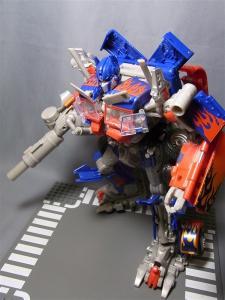 東京おもちゃショー2011 先行販売 ジェットウィング オプティマスプライム ロボット 1014