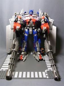 東京おもちゃショー2011 先行販売 ジェットウィング オプティマスプライム ロボット 1023
