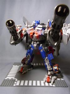 東京おもちゃショー2011 先行販売 ジェットウィング オプティマスプライム ロボット 1034