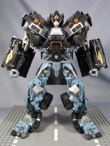 DOTM leader ironhide 3 1001
