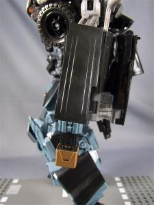 DOTM leader ironhide 3 1005