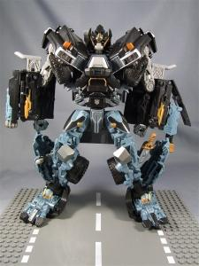 DOTM leader ironhide 3 1006