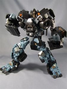 DOTM leader ironhide 3 1010