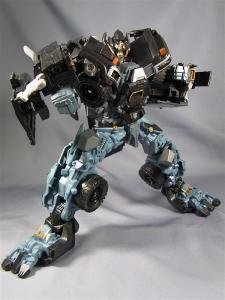 DOTM leader ironhide 3 1012