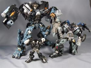 DOTM leader ironhide 3 1025