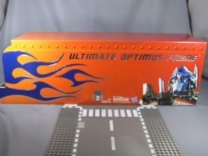 コミコン2011 アルティメットオプティマス BOX 1003