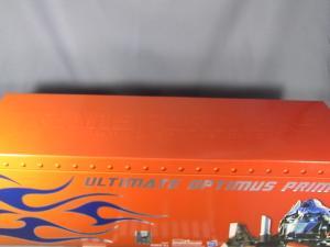 コミコン2011 アルティメットオプティマス BOX 1004