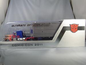 コミコン2011 アルティメットオプティマス BOX 1007