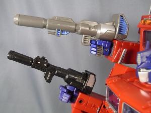 MP-10 コンボイVer2 ほかのTFとの比較 1021