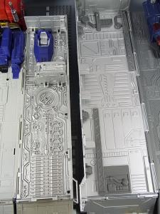 MP-10 コンボイVer2 ほかのTFとの比較 1030