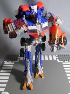 TF DOTM DA32 アルティメットオプティマスプライム ロボットモード 1011