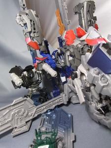 TF DOTM DA32 アルティメットオプティマスプライム ロボットモード 1023