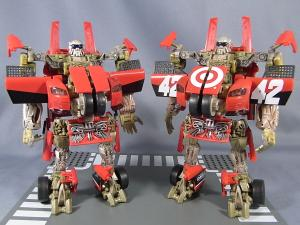 比較:TF DOTM DA30 レッドフットデトゥア軍曹& HA exclusive LEADFOOT and Steeljaw 1023