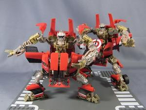 比較:TF DOTM DA30 レッドフットデトゥア軍曹& HA exclusive LEADFOOT and Steeljaw 1025