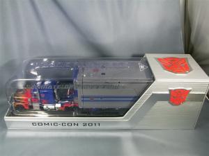 SDCC2011 オプティマスG1シール貼り分 1016