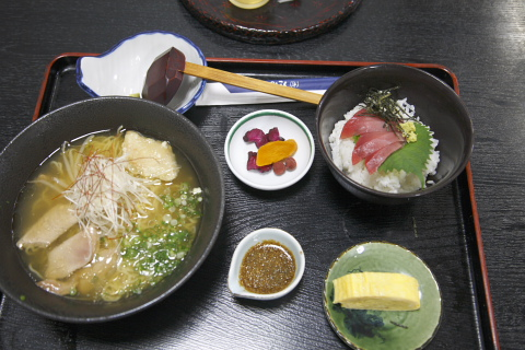 tanakayamaguroramenmagurodonset.jpg