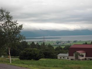 猪苗代湖を望む