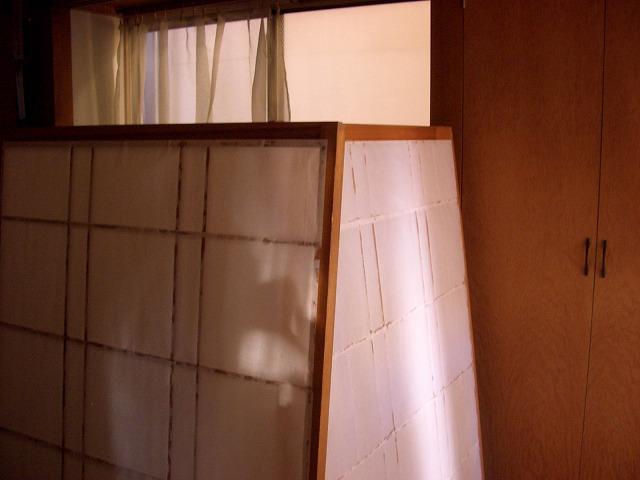 出窓と出窓の障子