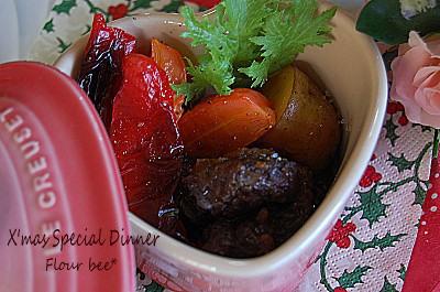 牛ほほ肉の赤ワイン煮込み。