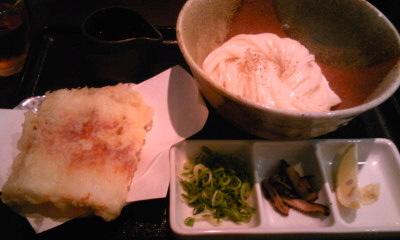 春菜昼ちく天ぶっかけ ちくわの天ぷらを初めて食ったのは25歳の夏。かまたけうどんで「うまっ!!」を連発した。