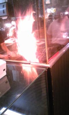 ひろめ市場たたきの藁焼き