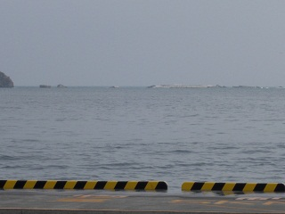 釜石港沖の堤防