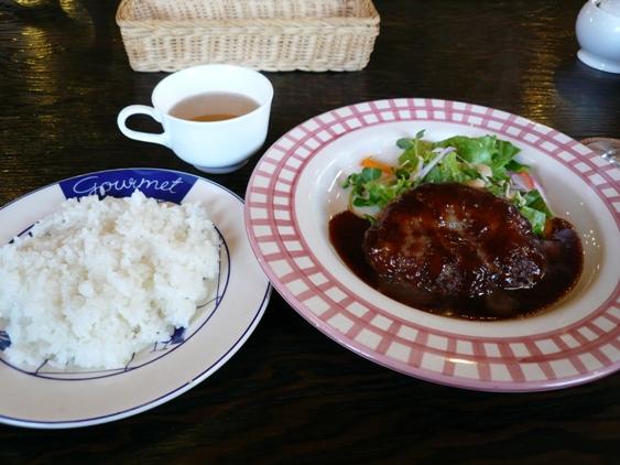コーヒー・ミニケーキ付¥1,000- 味は保証付き!