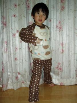 パジャマのモデル着画