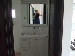 3面鏡シャワー付洗面化粧台