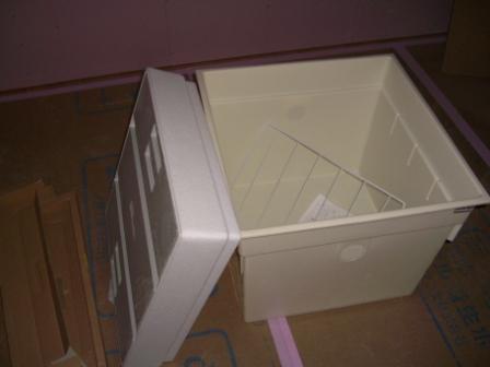 内装工事 設置前の床下収納庫