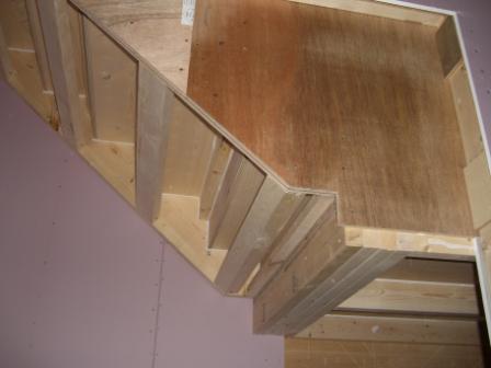 内装工事 階段下面(上半分)