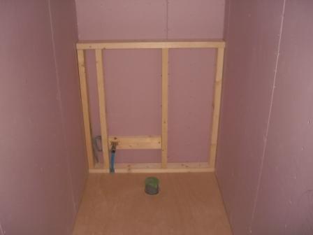 内装工事 トイレの設備壁 枠組み