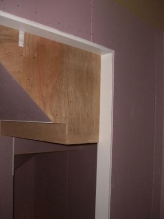 内装工事 出入り口の枠