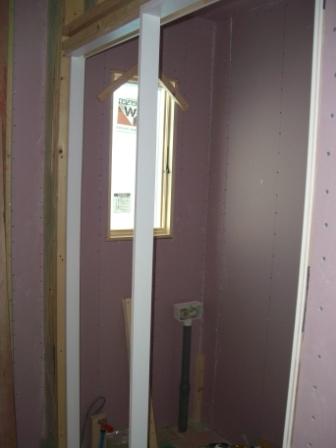 内装工事 2Fトイレの引き戸枠