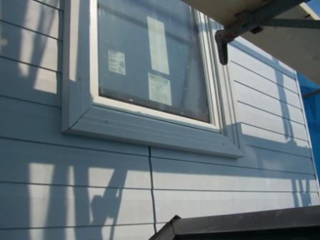 外壁工事 窓の化粧枠施工