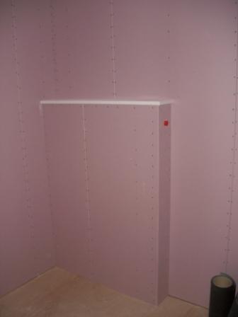 内装工事 洗面所の設備壁完成