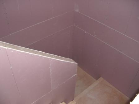 内装工事 階段の石膏ボード終了