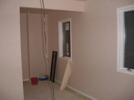 内装工事 主寝室のクロス貼り