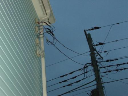 外装工事 電線もつながりました