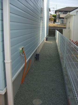 外構工事 砂利の敷き込み