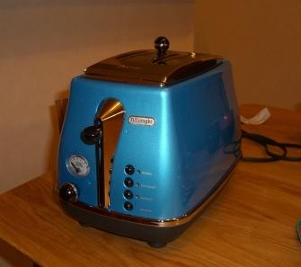 家電更新 デロンギのトースター
